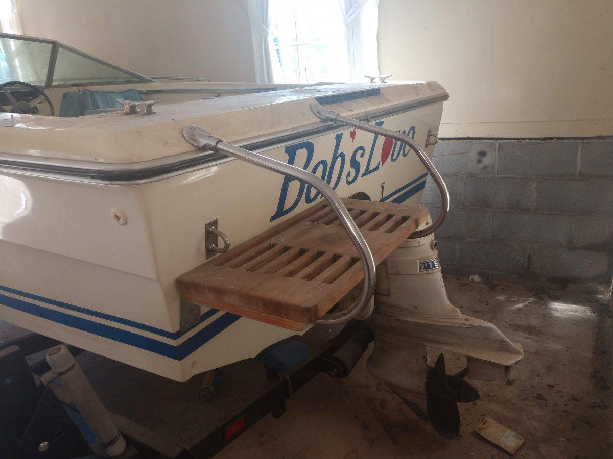 Selling for Best Offer - One Owner - 1975 Sea Ray SVR 180 with only