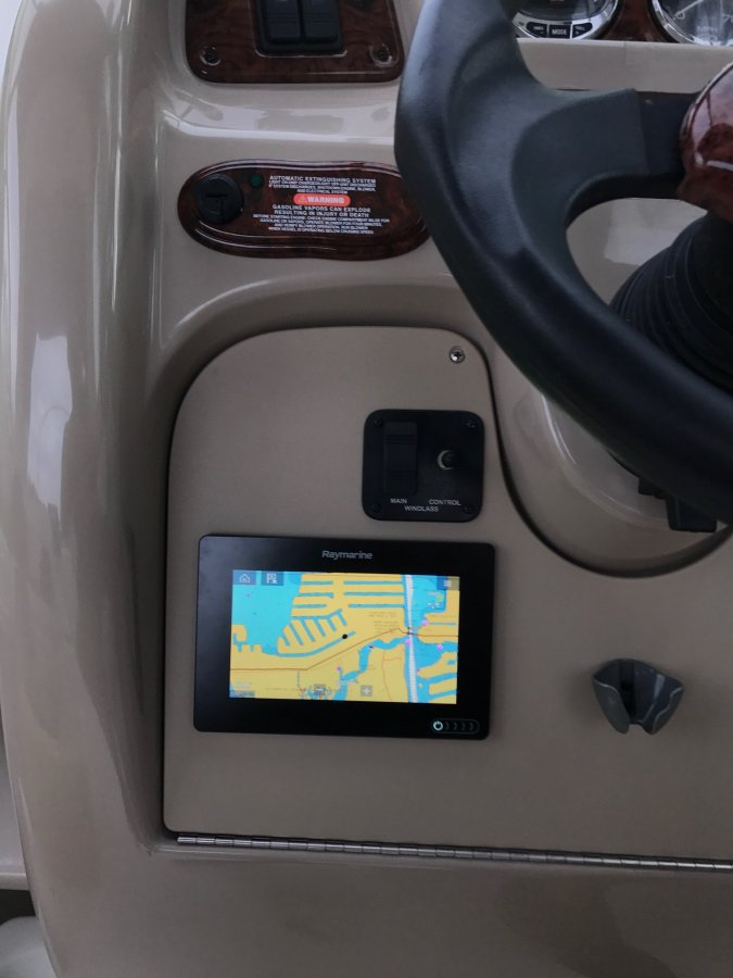 Electronics upgrade - expert advice needed!!   Club Sea Ray