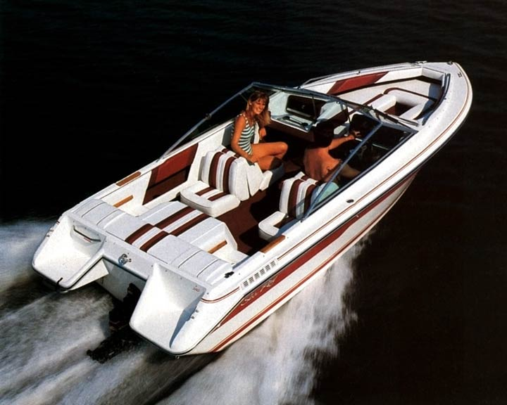 1998 Sea Ray 210BR - All Fiberglass, or still some wood